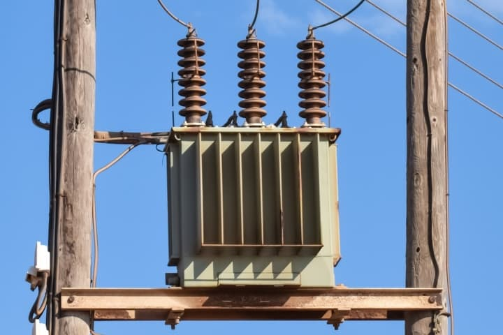 Three PThree Phase Transformerhase Transformer